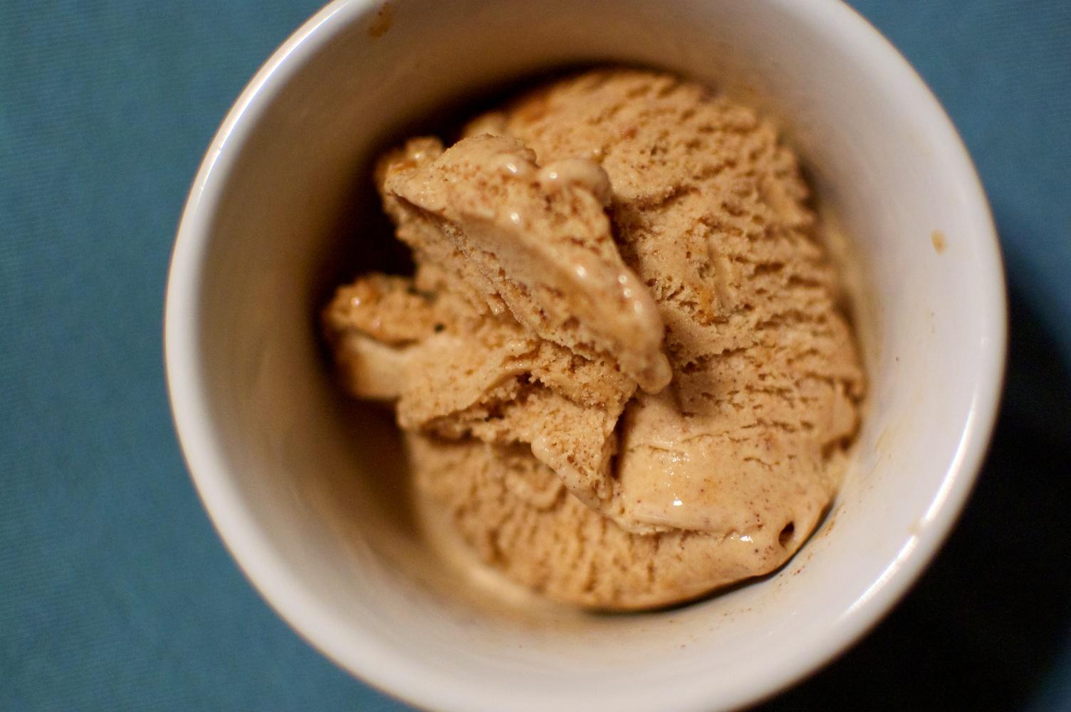 cinnamon-ice-cream
